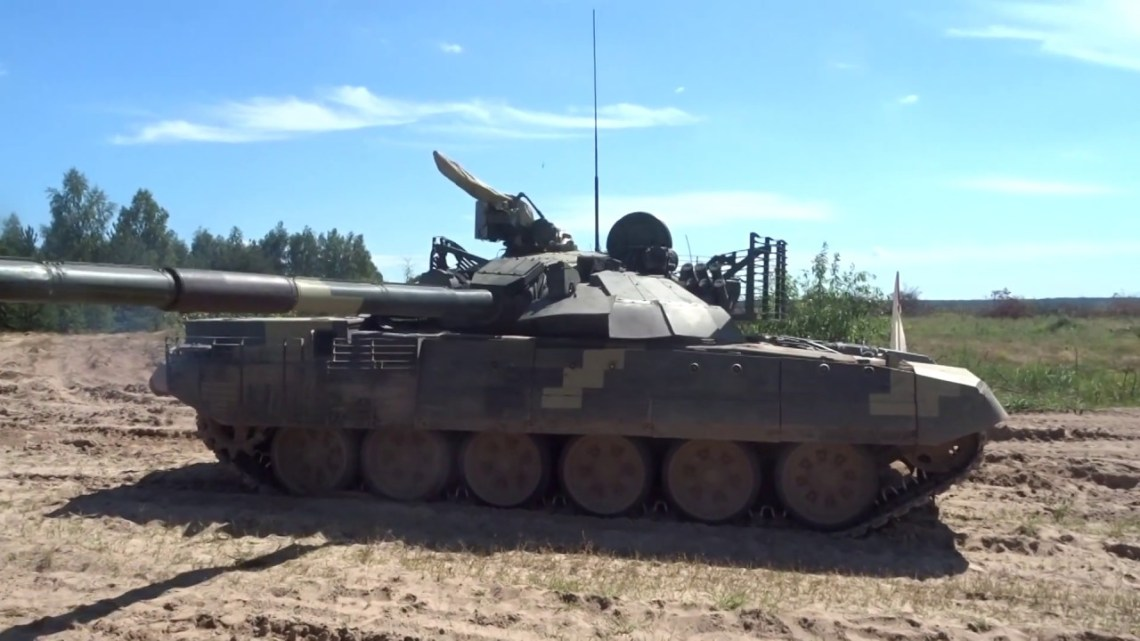 Bumar-Łabędy T-72AMT Main Battle Tank Field Tests