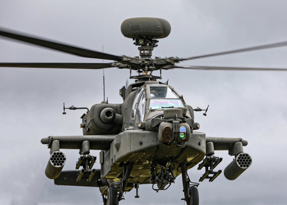 AH-64D Apache Attack Helicopter with  APG-78 LONGBOW Fire Control Radar (FCR)