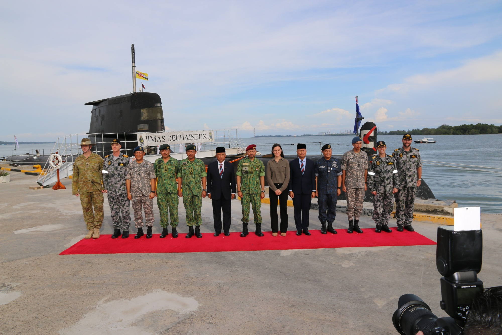 Inaugural visit to Brunei by HMAS Dechaineux