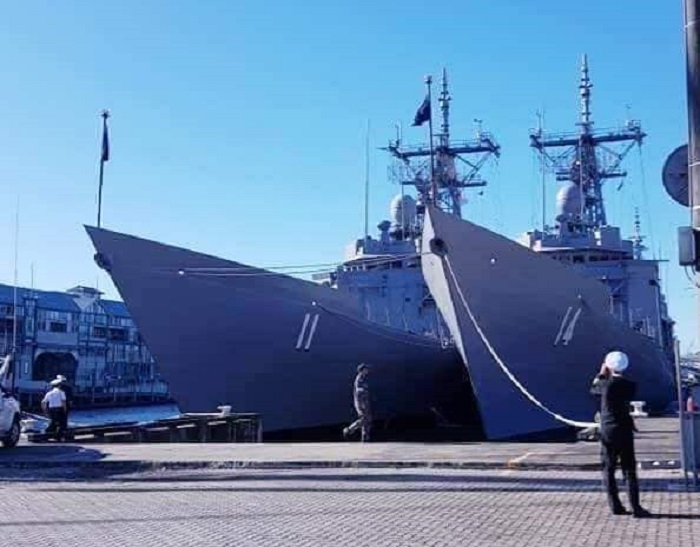 Australia Transfers Former Adelaide-Class Frigates to Chilean Navy