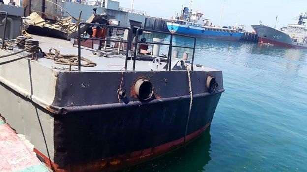 The Iranian military published a photo purportedly showing the damaged Konarak at a port