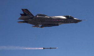Raytheon Awarded $17 Million US Air Force Contract to Assembly test of AMRAAM for Foreign Military Sales