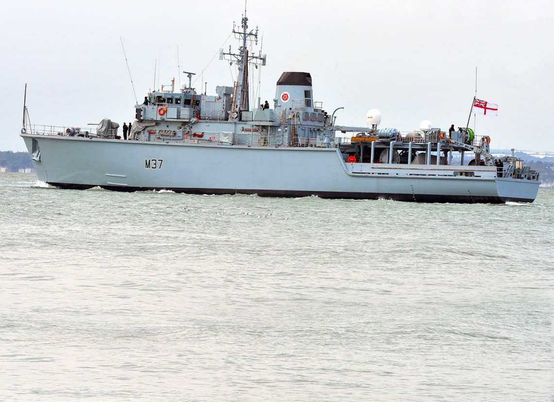 Royal Navy HMS Chiddingfold (M37) Hunt-class mine countermeasures vessel