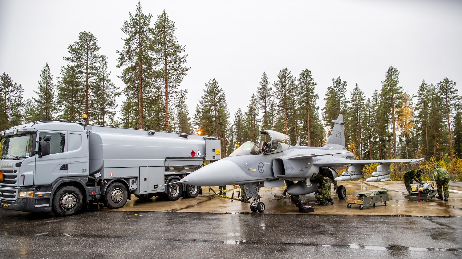 Swedish Armed Forces Extends Saab's Gripen Support Contract