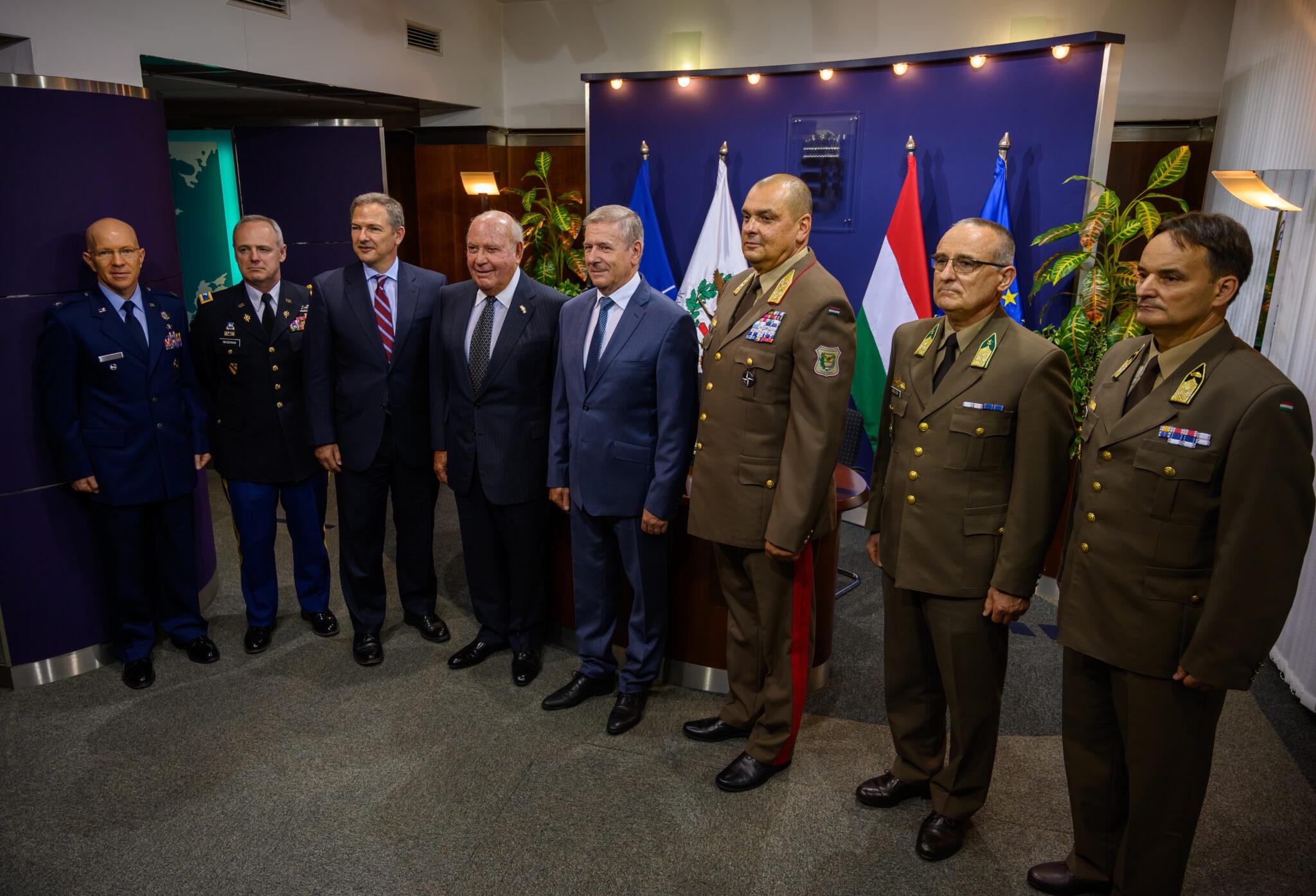المجر تتعاقد لشراء نظام الدفاع الجوي NASAMS Hungary-to-buy-1-billion-nasams-air-defence-system-1