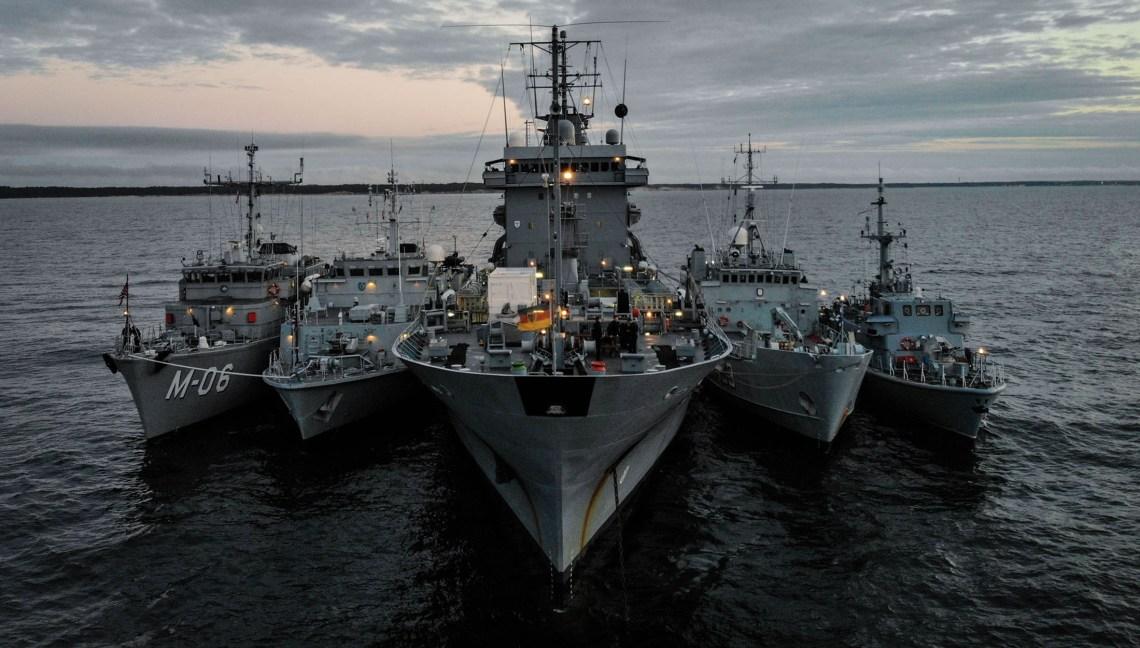 Five ships line up alongside each other during BALTOPS 2020. From left to right LVNS Tālivaldis (Latvia), ENS Sakala (estonia), FGS Werra (Germany), ENS Wambola (Estonia), ORP Druzno (Poland).