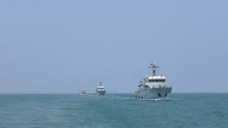 PLA Navy Conducts Mine-hunting Countermeasures Training in East China Sea