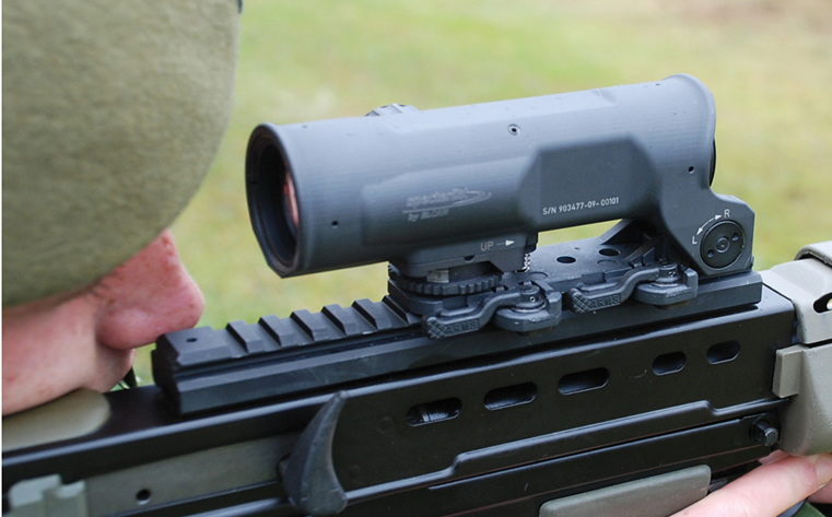 The ELCAN Specter OS 4x fixed magnification weapon sight is deployed with the British Ministry of Defence as the lightweight optical day sight. This sight reduces a soldier's weight burden without compromising performance.