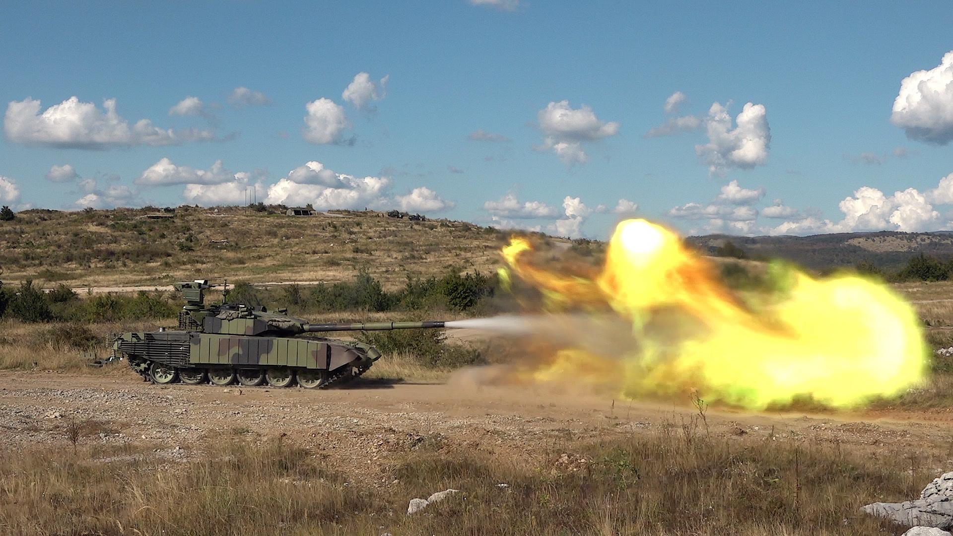 Srbija predstavila modernizirani M84 AS1 Serbian-ministry-of-defence-showcases-upgraded-m-84-as1-main-attle-tanks