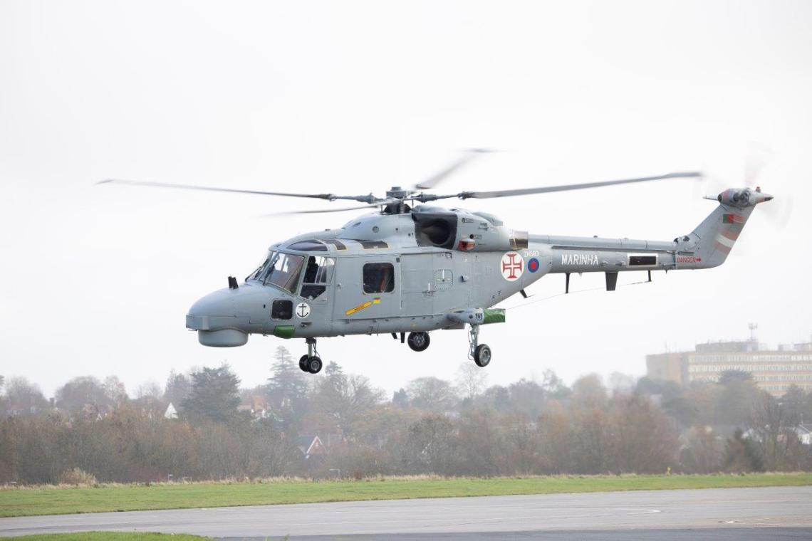 Portuguese Navy Pilots Qualify on Upgraded Lynx Mk. 95A Helicopter in UK