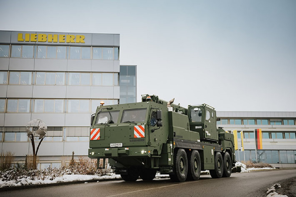 33 G-BKF armoured recovery and crane vehicles