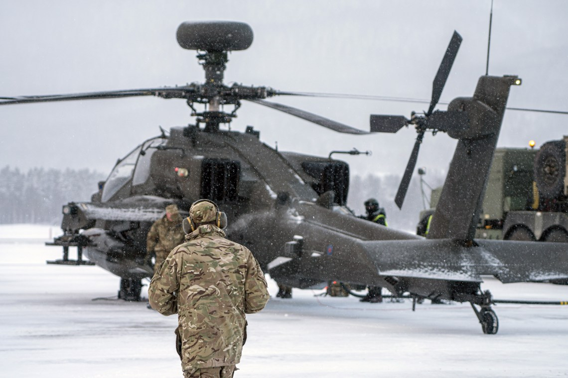 British Army Apache Attack Helicopters Tested in Arctic Circle
