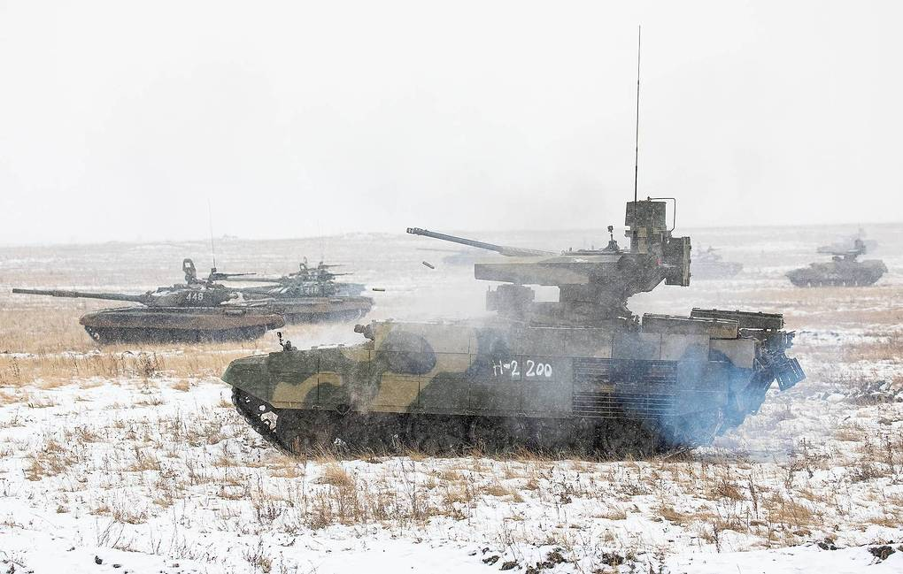 Russian Army Terminator Practice Cohesion with T-72B3M Tanks at Urals Proving Ground