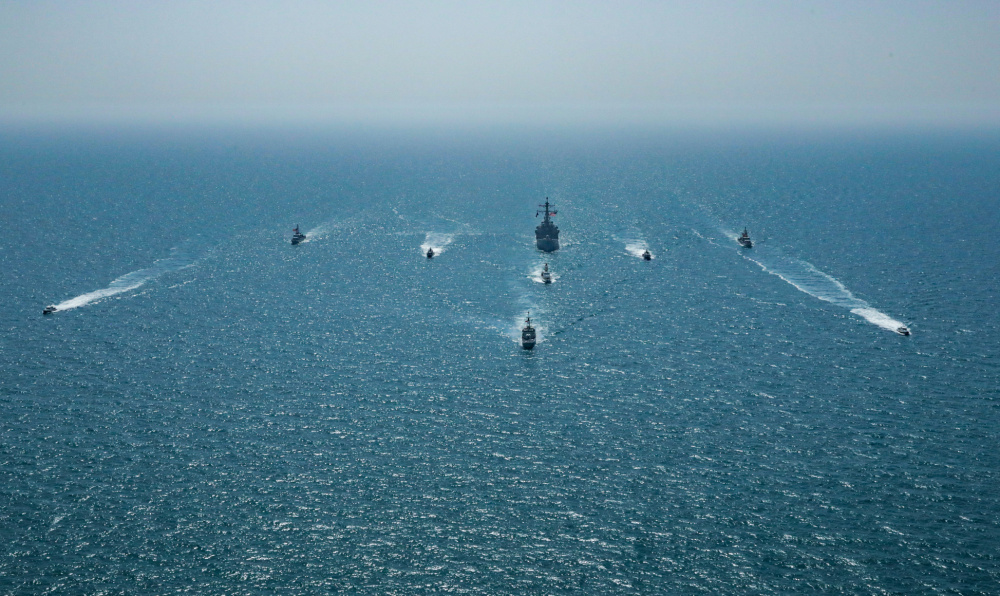 Bahrain Defense Force and US Navy Complete Exercise Neon Defender 21