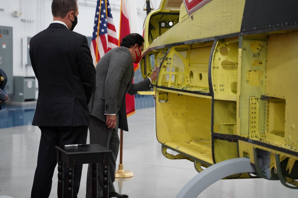 Bahrain Delegation Commemorate First Production Bell AH-1Z Viper Attack Helicopter