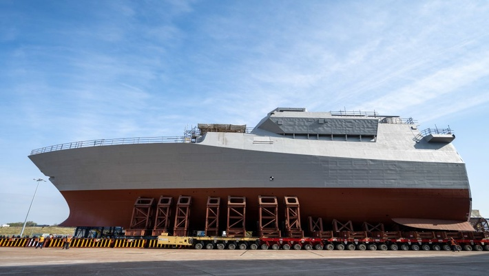 Royal Navy HMS Glasgow Takes a Bow