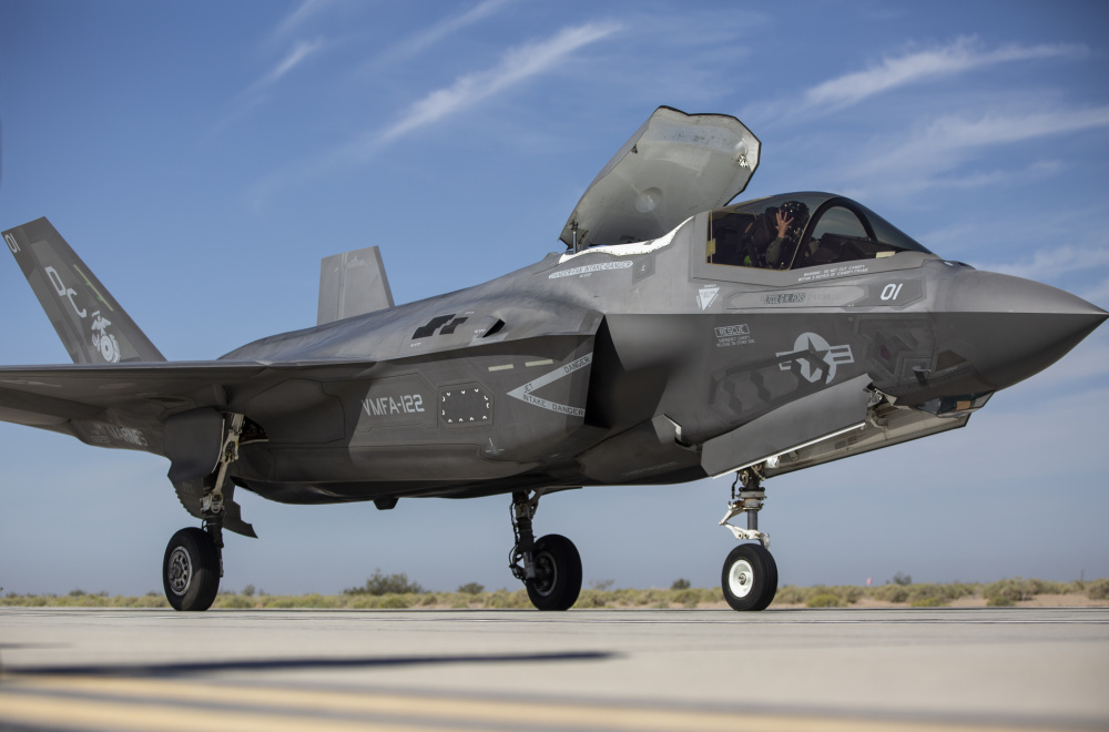 US Marine Corps Performs First-ever F-35B Landing on Shortened Runways at Yuma