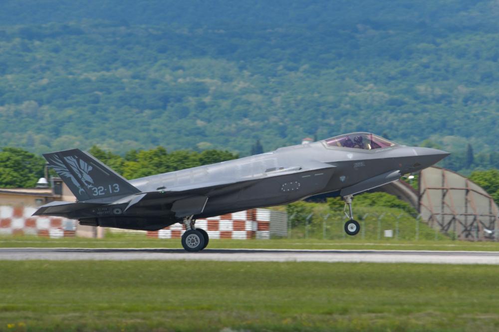 Italian Air Force F-35 F-35 Lightning IIs Train at Aviano Air Base