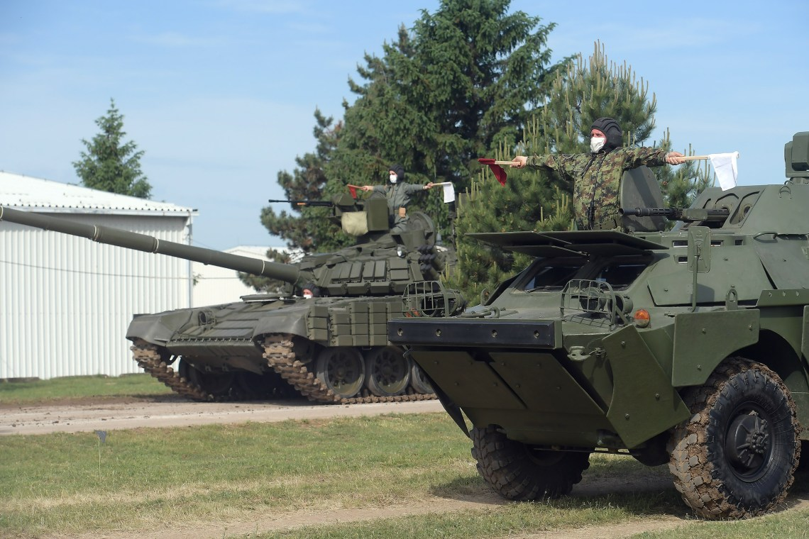 Serbian Armed Forces receive 30 T-72MS tanks and 30 BRDM-2MS armoured reconnaissance vehicles