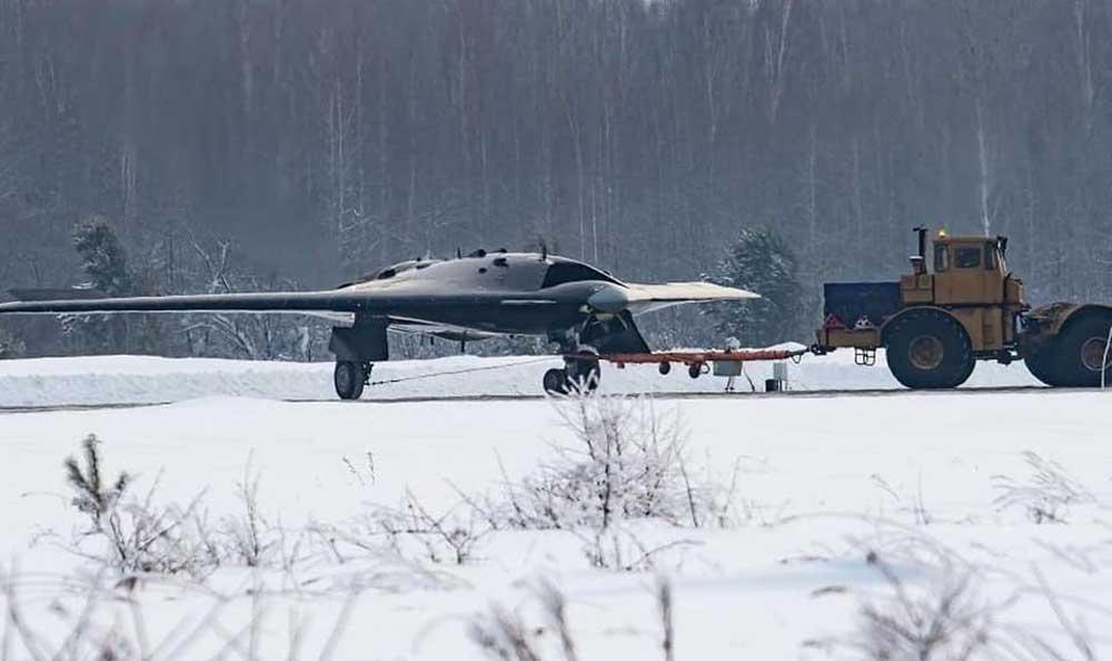 Sukhoi S-70 Okhotnik-B stealth heavy unmanned combat aerial vehicle (UCAV)