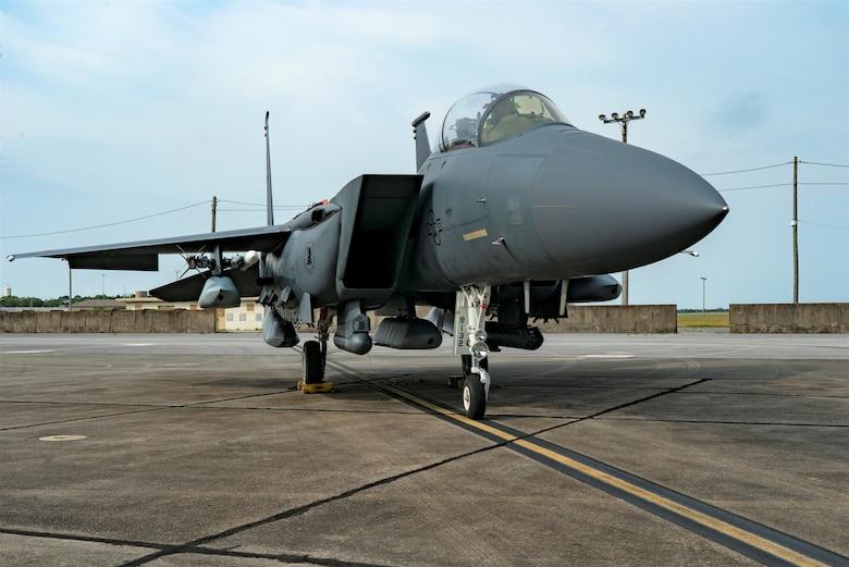 US Air Force Testers Load Five JASSM Cruise Missiles onto F-15E Strike Eagle