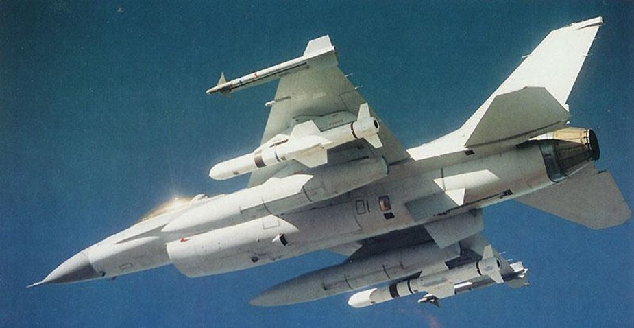 US Air Force F-16C with AGM-84 Harpoon anti-ship missiles under the wings