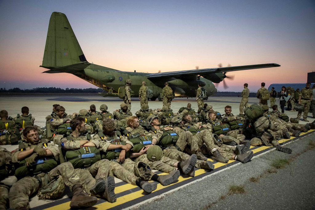 British and Jordan Paratroopers Spearhead Lead Assault Force Into Jordan Joint Theatre Entry