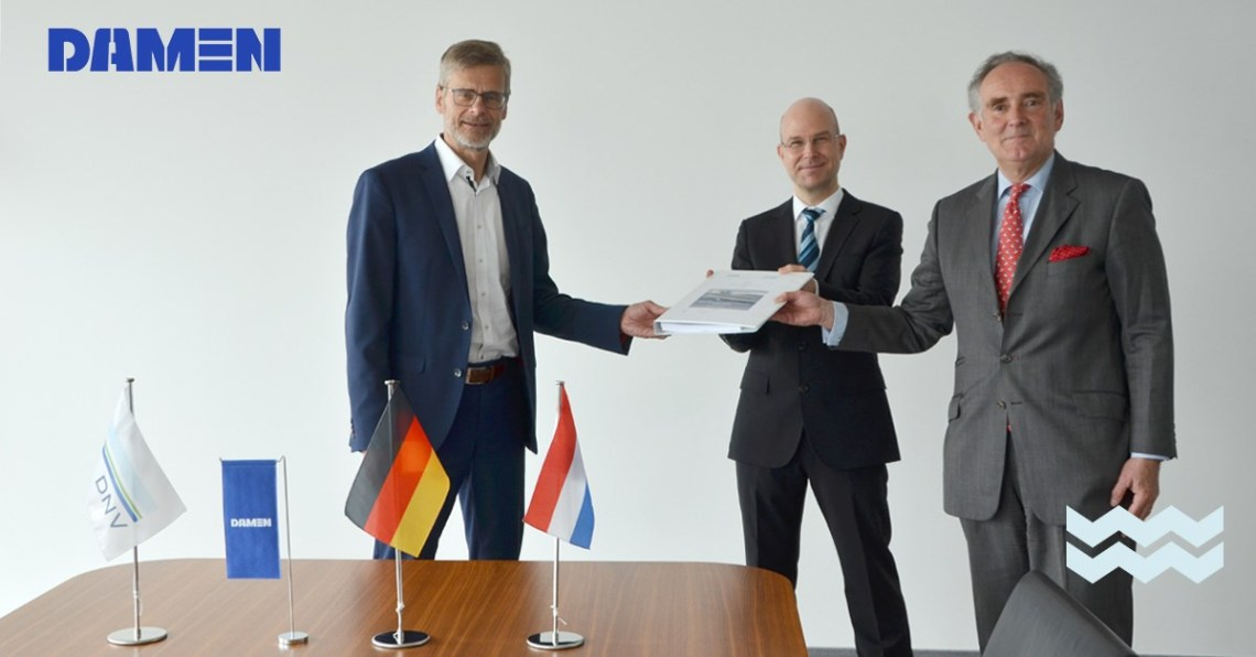 On the contract signing photo from left to right: Dirk Henneberg, Senior Program Manager Procurement F126, Damen Naval, Sven Dreessen, Manager Newbuilding Area Germany, DNV Maritime, und Christian von Oldershausen, Business Director Naval & Governmental Vessels, DNV Maritime