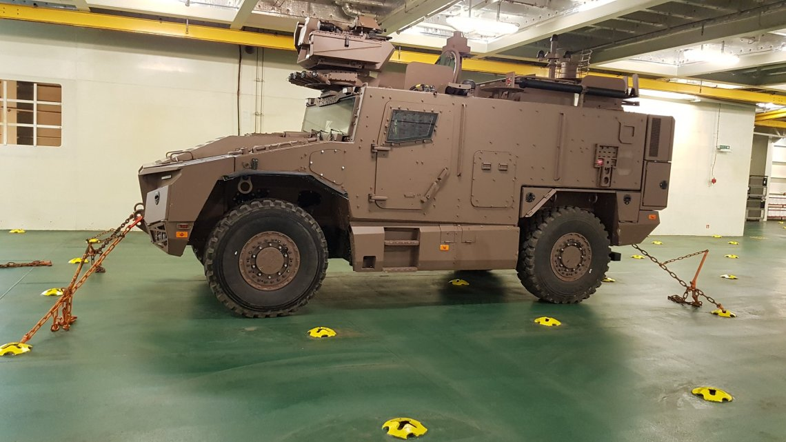 French Directorate General of Armaments Qualifies Serval Armored Vehiclefor Amphibious Operation