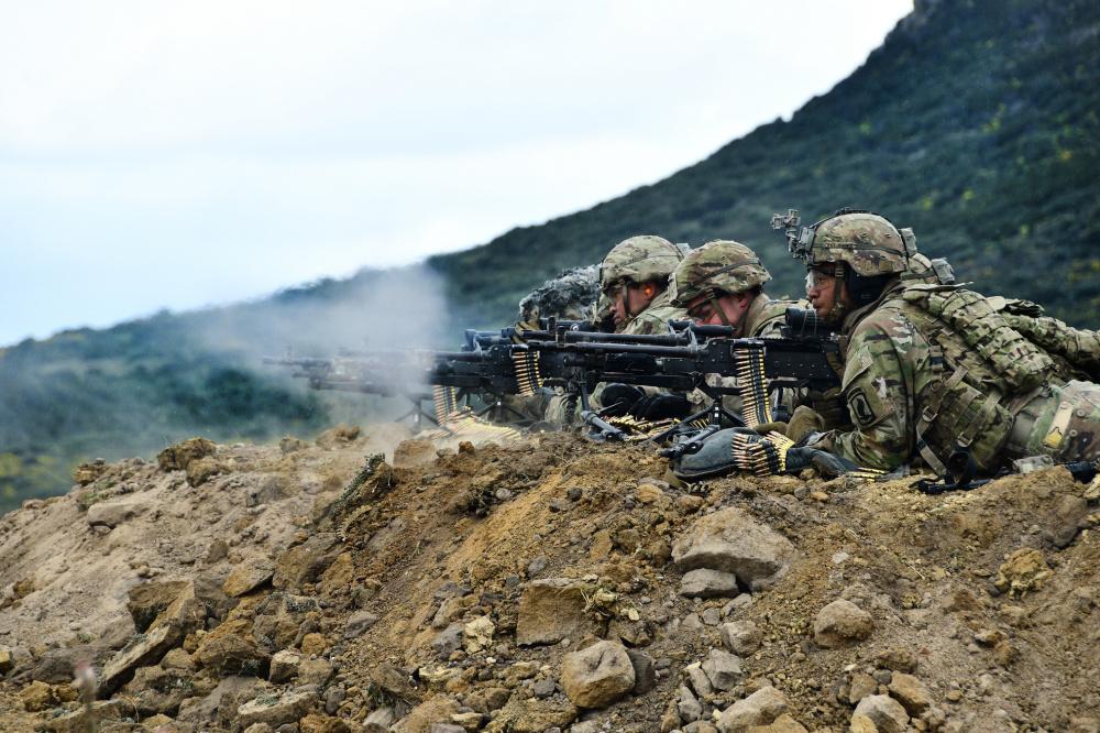 M240 medium machine guns