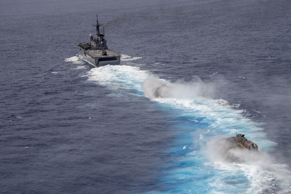 US Navy PHIBRON 11 Conducts Bilateral Amphibious Operations with Japan Maritime Self Defense Force JS Shimokita