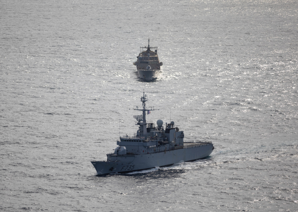 USS Sioux City Conducts Bilateral Maritime Exercise with FS Germinal