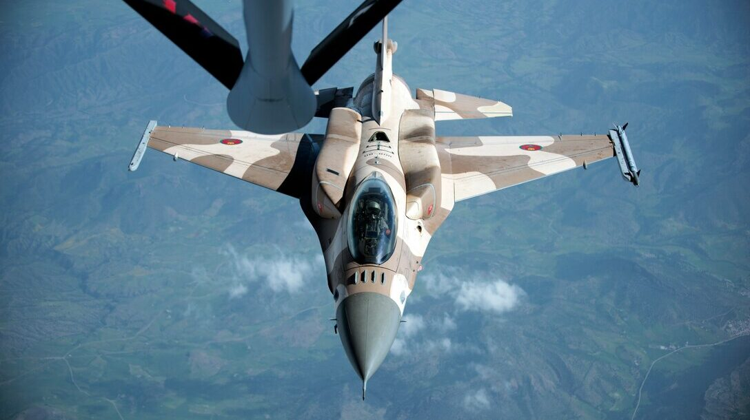 A Royal Moroccan air force F-16 prepares to receive fuel from a KC-135 Stratotanker from the 191st Air Refueling Squadron, during Exercise African Lion April 20, 2018. Photo: Senior Airman Malcolm Mayfield/US Air Force