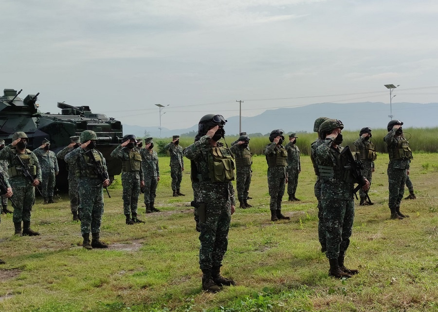Philippine Marine School of Armor Conducts First AAV Training for Marine Amphibious Ready Unit