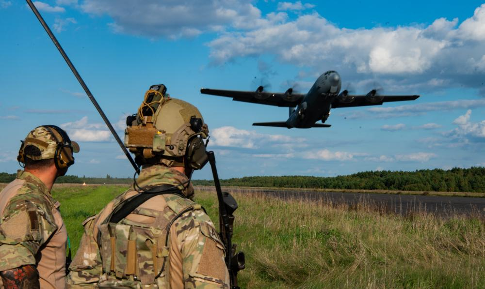 US Air Force Contingency Response Group and Polish Special Forces Open Airfield Ops