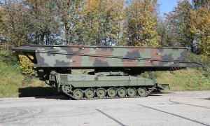 Krauss-Maffei Wegmann Delivers Leguan Bridge Layer to Norwegian Army