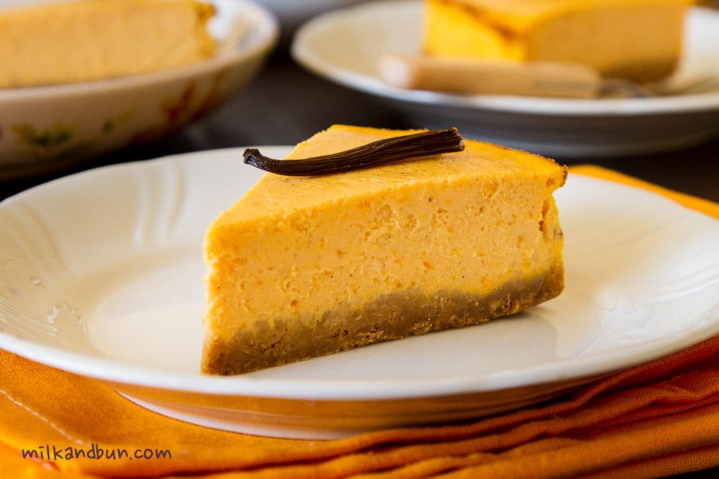 Pumpkin Cheesecake | milkandbun