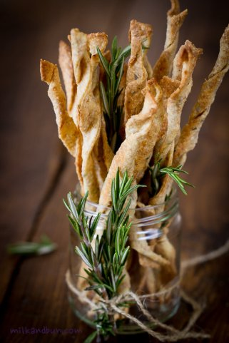 #6 Olive oil and rosemary crackers