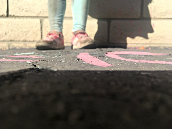 Make Liquid Sidewalk Chalk with only 3 ingredients!
