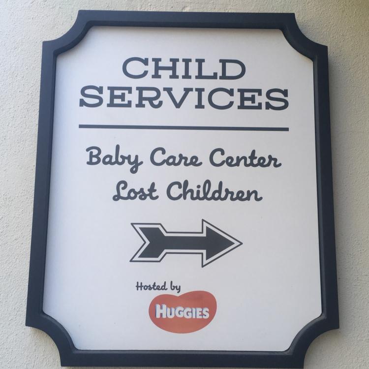 Tips for Breastfeeding at Disneyland