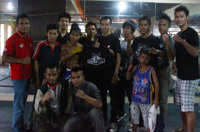 rudy agustian and golden camp muay thai students