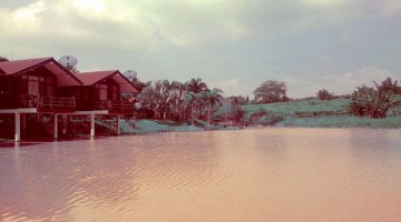 Nicslongstay-thailand-huts