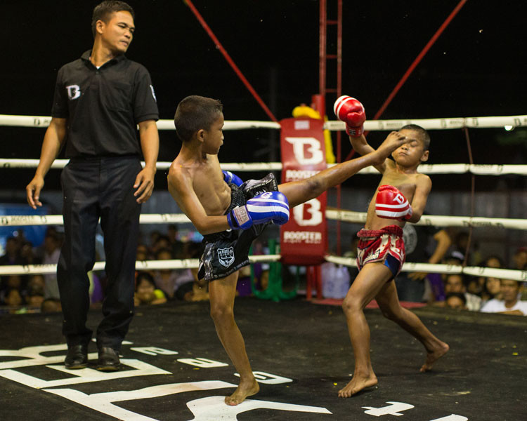 wor watthana muay thai training