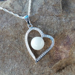 Heart-Shaped Breast Milk Pendant - Milk Vine Jewelry