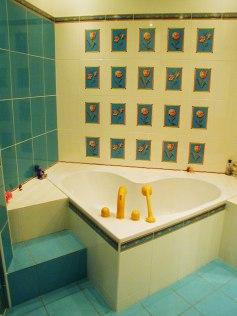 Дизайн квартиры в мансарде. Ванная комната