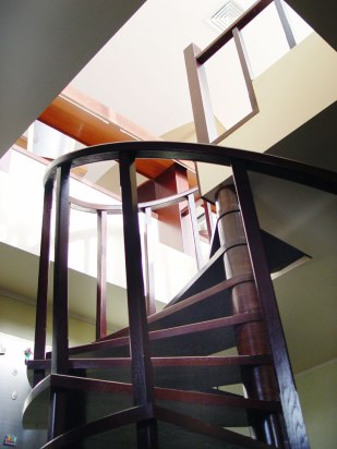 Дизайн интерьера пентхауса. Винтовая лестница