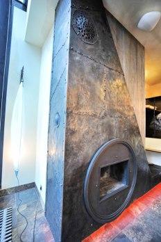 Дизайн интерьера квартиры в стиле Гауди. Камин