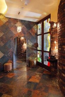 Дизайн интерьера квартиры в стиле Гауди. Прихожая