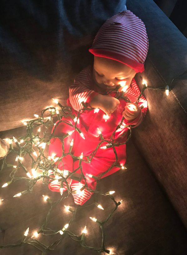 5 Newborn Christmas Gifts Every Mom Will Thank You For