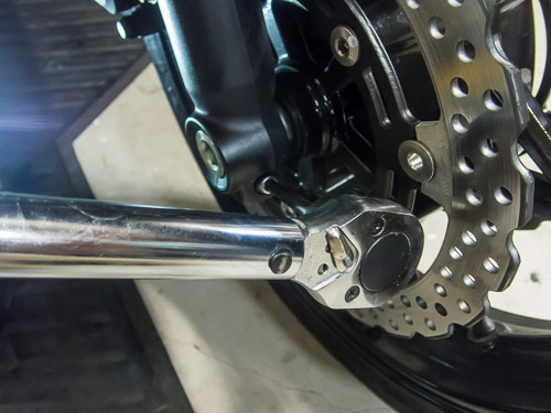 Using a Torque Wrench on a Bolt
